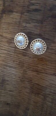 Lot of 2 Vintage Chanel round gold tone cc logo pearls Buttons 22 mm