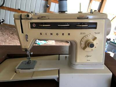 """Vintage Singer #534 """"Stylist"""" sewing machine with cabinet & foot pedal! NICE"""