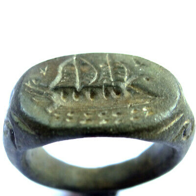 ROMAN ANCIENT ARTIFACT BRONZE MASSIVE RING WITH GALLEY 16.27gr.