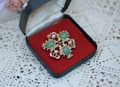 Vintage Jewellery retro brooch with jade antique gold color jewelry
