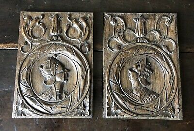 A Fine Pair Of English 16th Century Carved Oak Romayne Profile Panels