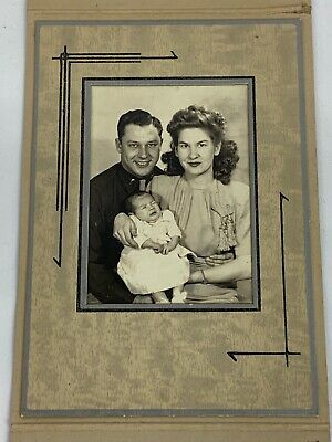 WWII US Army Officers Family Matted Folder Photo
