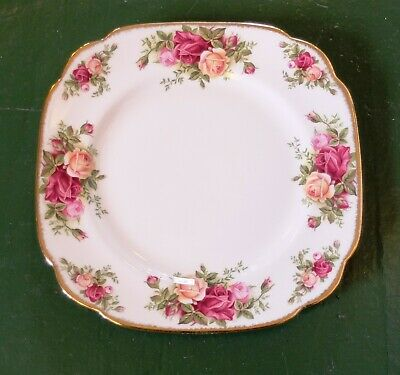 Vintage 1962 Royal Albert Old Country Roses 7 3/4 Inch Square Luncheon Plate