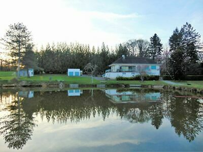 4 Bedroom house with fishing lake France