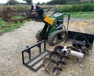 Kanga kid/loader with attachments