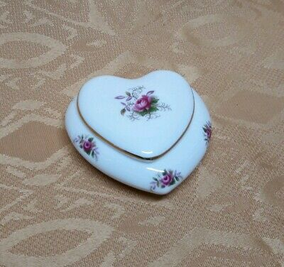 Beautiful, vintage Royal Albert Lavender Rose heart trinket pot. Immaculate.