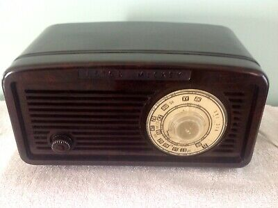 Astor Mickey Radio in Excellent Condition for Age.
