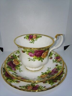 Royal Albert 'Old Country Roses' Trio Cup/Saucer/Plate