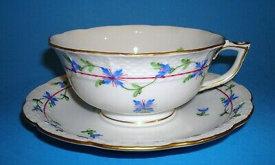 HEREND Porcelain~HAND PAINTED  BLUE GARLAND TEA CUP AND SAUCER #734/PBG
