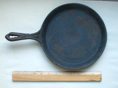 1800's 9-Inch Cast Iron Flat Pan Griddle Skillet No. 7: Heat Ring & Gate Mark
