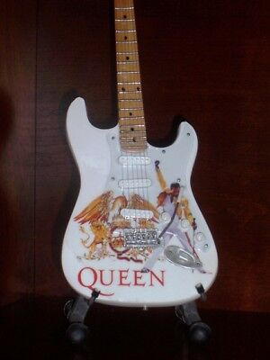 Mini Guitar QUEEN FREDDIE MERCURY Display GIFT Memorabilia FREE STAND ART