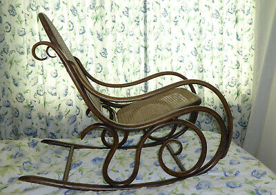Bentwood Rocking chair Thonet style Art Nouveau Original, cane seat, 100+ years