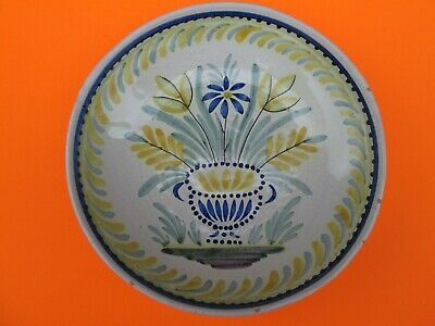 ASSIETTE 18eme  FAIENCE DE NEVERS,   DECOR DE VASE FLEURI