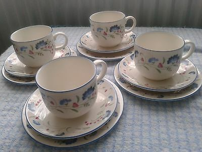 Royal Doulton China t-set for 4 people - Expressions Windermere