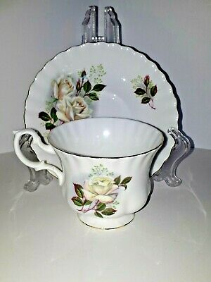 Vintage Royal Albert Fine Bone China Footed Teacup And Saucer White Roses