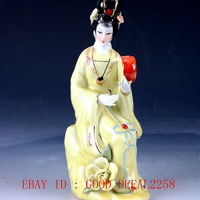 Chinese Porcelain Handwork Carved Beauty Statue RC007