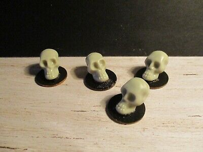 Dolls House Miniature Witches Skull