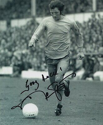 Frank Worthington Hand Signed 10x8 Photo - Football Autograph.