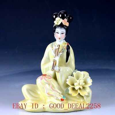 Chinese Porcelain Handwork Carved Flute Beauty Statue RC009