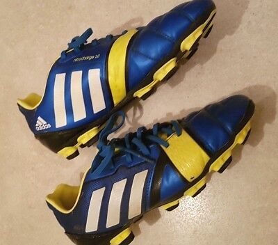 CHAUSSURES DE FOOT ADIDAS traxion crampons moulés taille 38