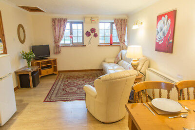 Holiday Cottage Anglesey, North Wales For 2. 7nts 19th October Room For A Cot.