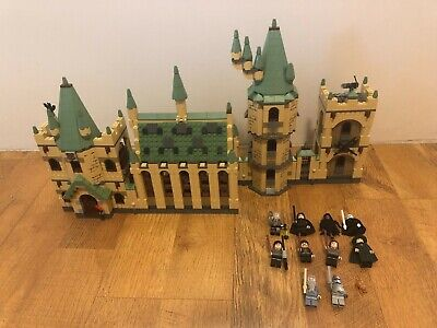 LEGO Harry Potter Hogwarts Castle (4842)  with Minifigures! FREE SHIPPING!