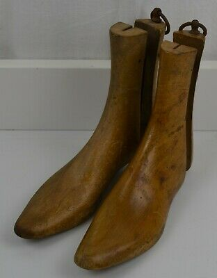 Vintage Wooden/Treen Cobblers Boot/Shoe Trees/Stretchers/Shapers/Lasts 4 / 5
