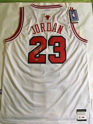 online store 89a01 2878e MICHAEL JORDAN JERSEY signed - Autographed authentic- Chicago Bulls - Size  XL