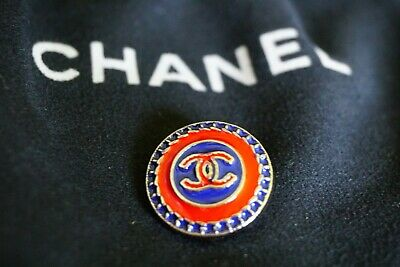 CHANEL BUTTON 1 pieces   SIZE 0,8  INCH 20  MM BROOCH  Logo CC METAL