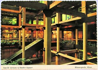 Minneapolis Butler Square Atrium Modern Postcard Minnesota (d517)