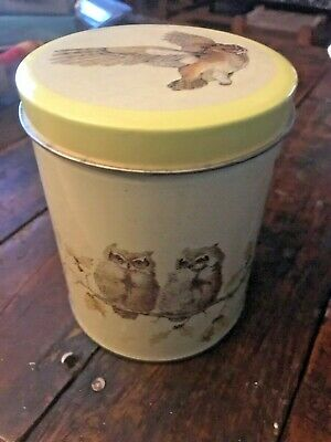 Vintage Owl Tin Cylindrical Pale Yellow L. Zillich Artist-3130