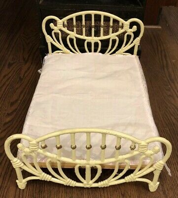 VIntage DOLL BED DAYBED METAL CAST IRON  VTG Antique Style Wrought Iron 12x18x10
