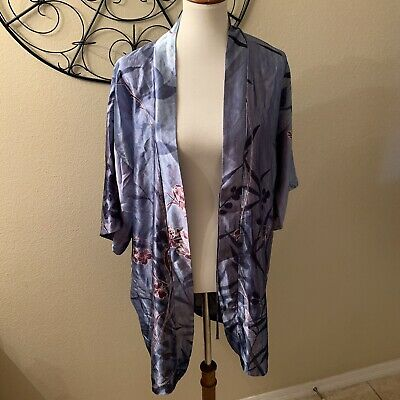 California Dynasty Women's Floral Robe Size Small No Tie!