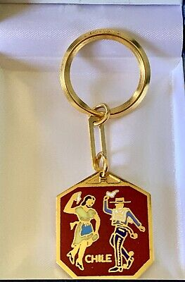 LLAVERO METALICO , DORADO, NEW. Chilean Key Chain. Key Ring. Colorful Couple.