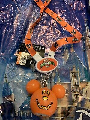 Disney Parks Halloween 2019 Mickey Pumpkin Glow Light Up Animated Necklace  New