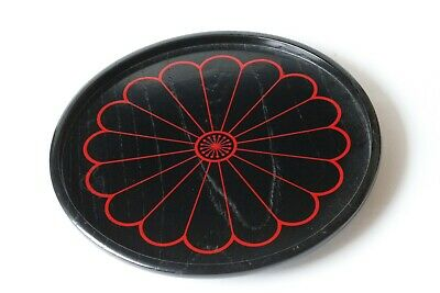 A circular lacquerware tray by Zohiko Nishimura for Tea Ceremony