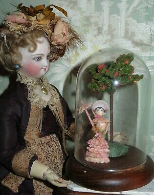Exquisite Rare Tiny Hand Painted Shell Art Doll Scene With Miniature Glass Dome!