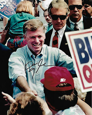 VICE PRESIDENT DAN QUAYLE Signed Autographed 8x10 Photo w/COA Shaking Hands
