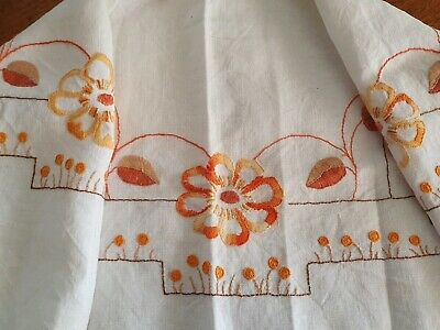 Vintage Art Deco Linen Hand Embroidered Floral Suppercloth