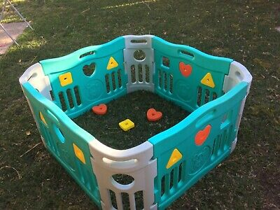 Baby interactive playpen - great condition 1080 square.