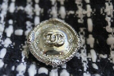 💗CHANEL BUTTONS CC LOGO 1 inch 25 mm Silver TONE METAL  Lot 2 BROOCH