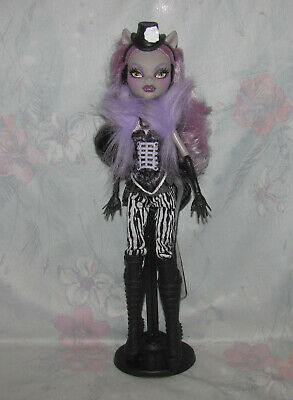 Monster High Doll Clawdeen Wolf Freak Du Chic - Stand, Boots, Hat, Clothes