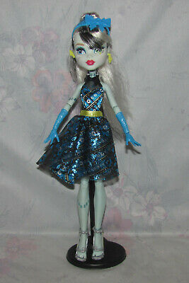 Monster High Frankie Stein Doll - Welcome to Monster High - Stand, Clothes