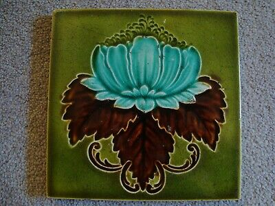Art Nouveau floral and leaf tile   20/213