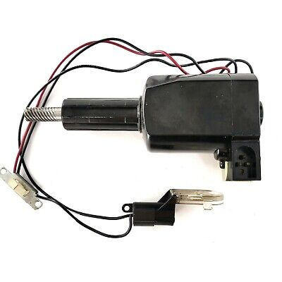 Singer 758 Part - MOTOR PA28-8 (+ LAMP ASSEMBLY & POWER SWITCH) original parts