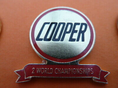 Pin's  Voitures  /  Sigle  Cooper  / 2 World Championships  / Superbe