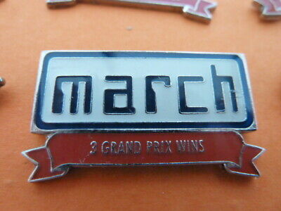 Pin's  Voitures / Sigle  March    /  3 Grand Prix   Wins  / Superbe