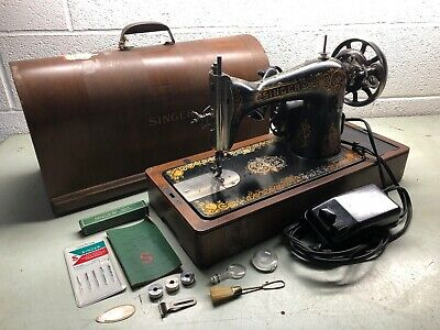 "SINGER No. 115 ""Gingerbread"" Sewing Machine Dated 1913 w/ Case & Accessories"