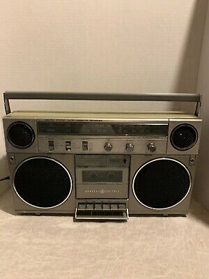 General Electric Boombox Model No. 3-5257A Vintage Tested
