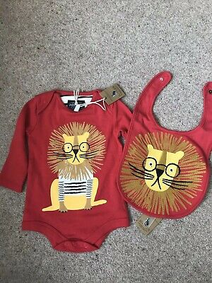 BNWT Joules Baby Boys Long Sleeve Top Vest And Bib Set 0-3 Months